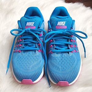 Nike Women's Air Zoom Vomero 11 Running Shoes 7.5